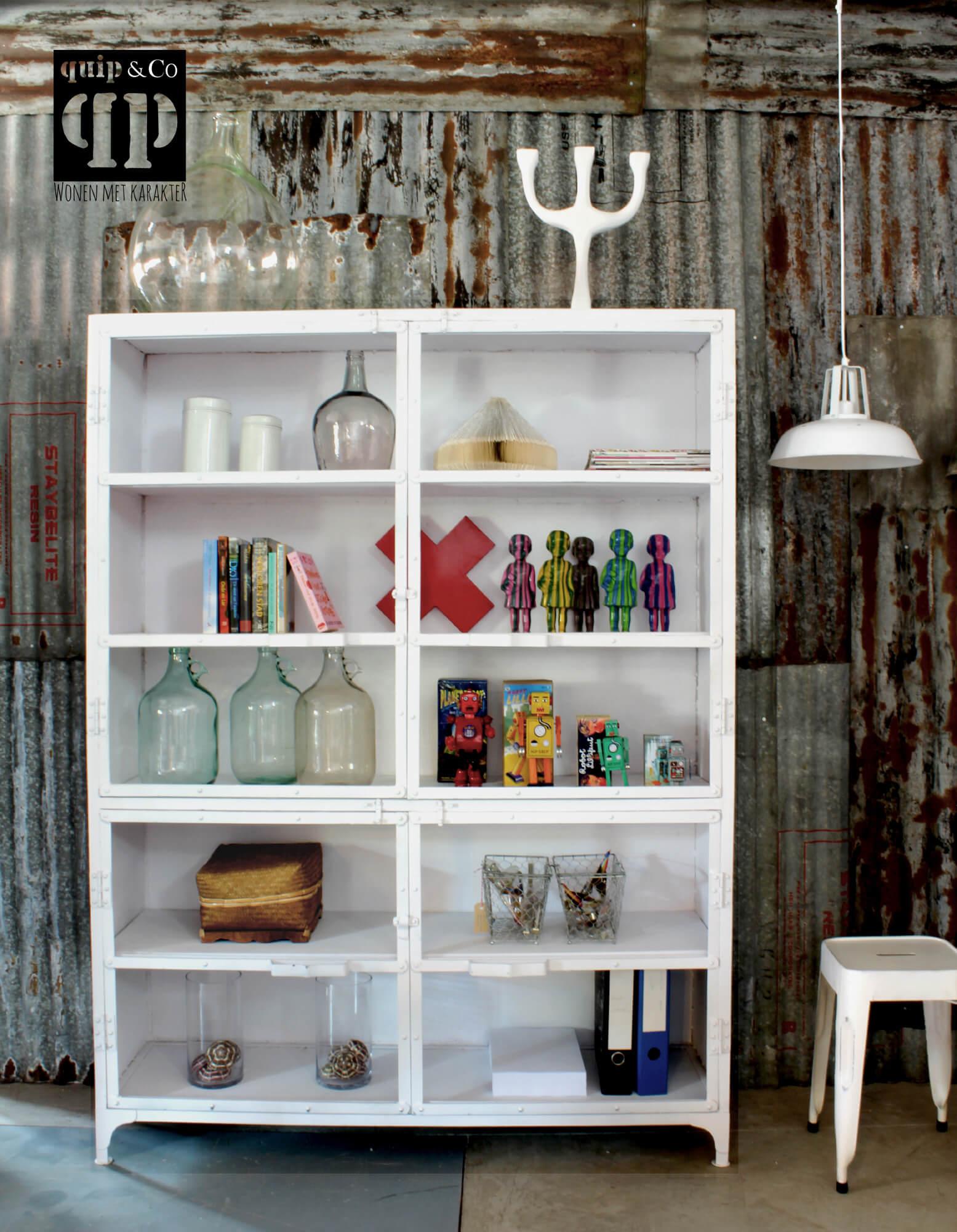 K003w Grote industriële kast met vitrine deuren, marlisa giga meubel, van quip&Co