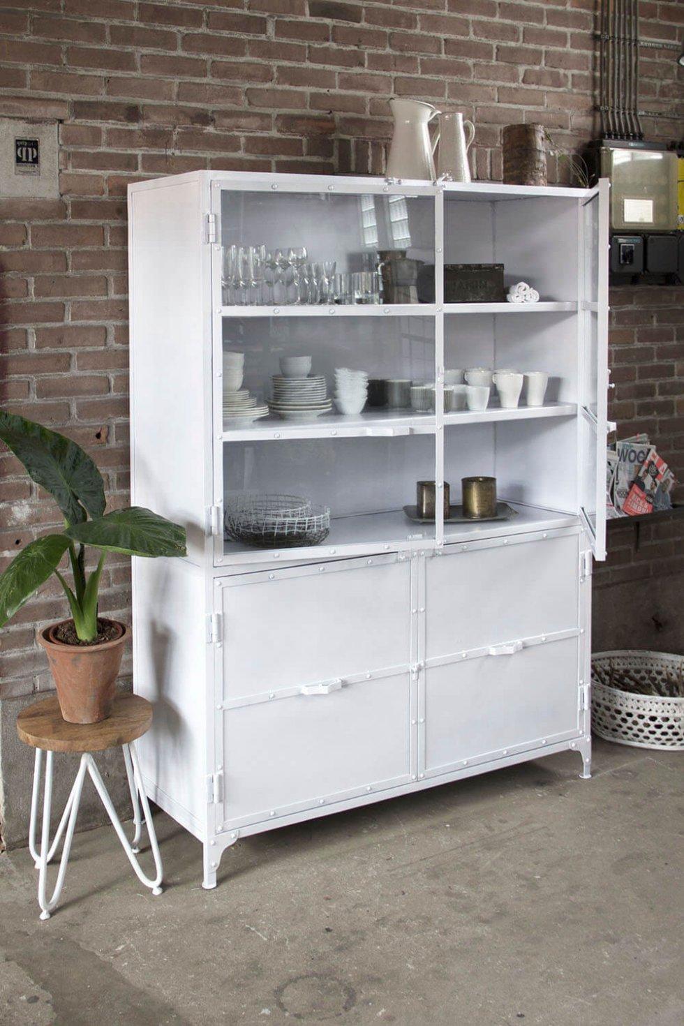 K040w Robuust industriële buffetkast, marcia giga meubel, van quip&Co