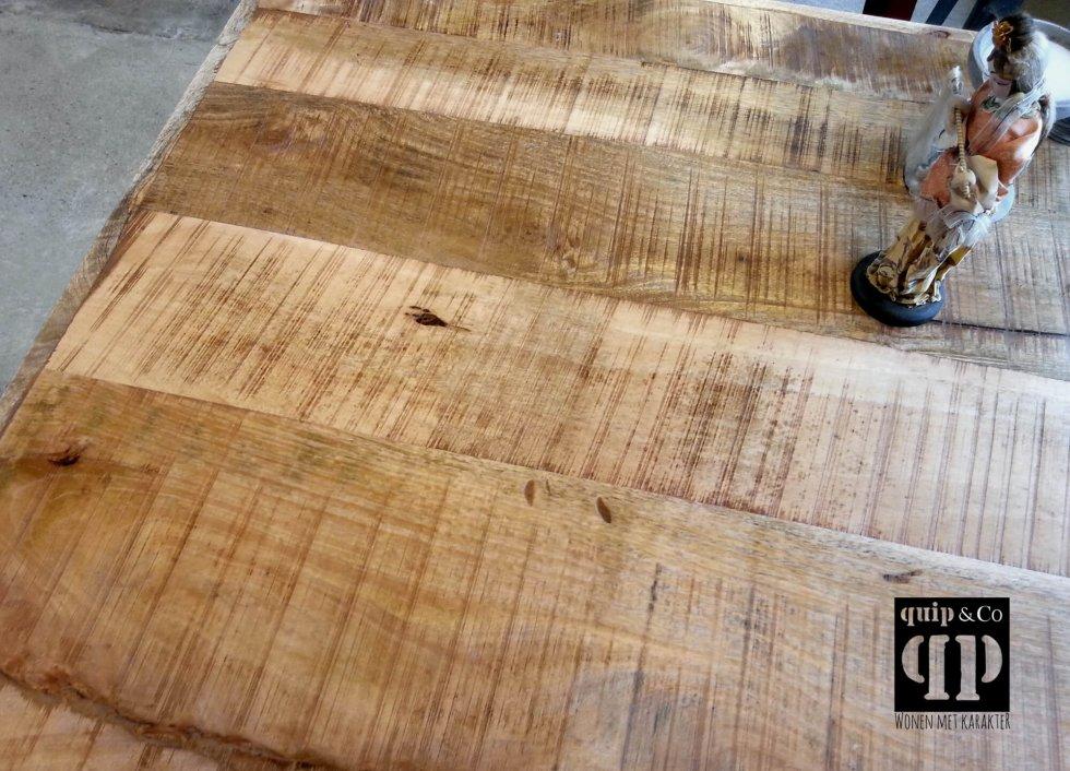 Industriële bartafel met mango houten top en ijzer frame