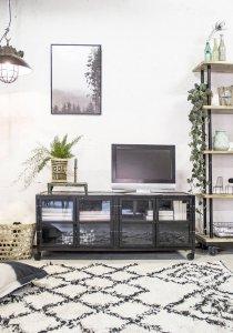 Industriële TV kast met glasdeurtjes van quip&Co