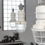 Oude vintage industriële fabriekslamp van ijzer
