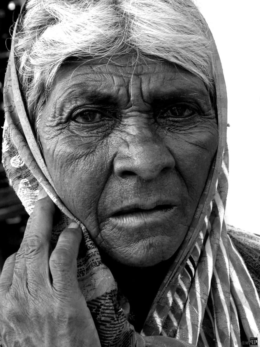 Foto indiase vrouw zw-w