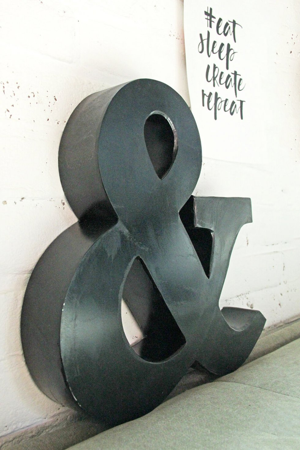 Ampersand of en-teken van ijzer bij quip&Co
