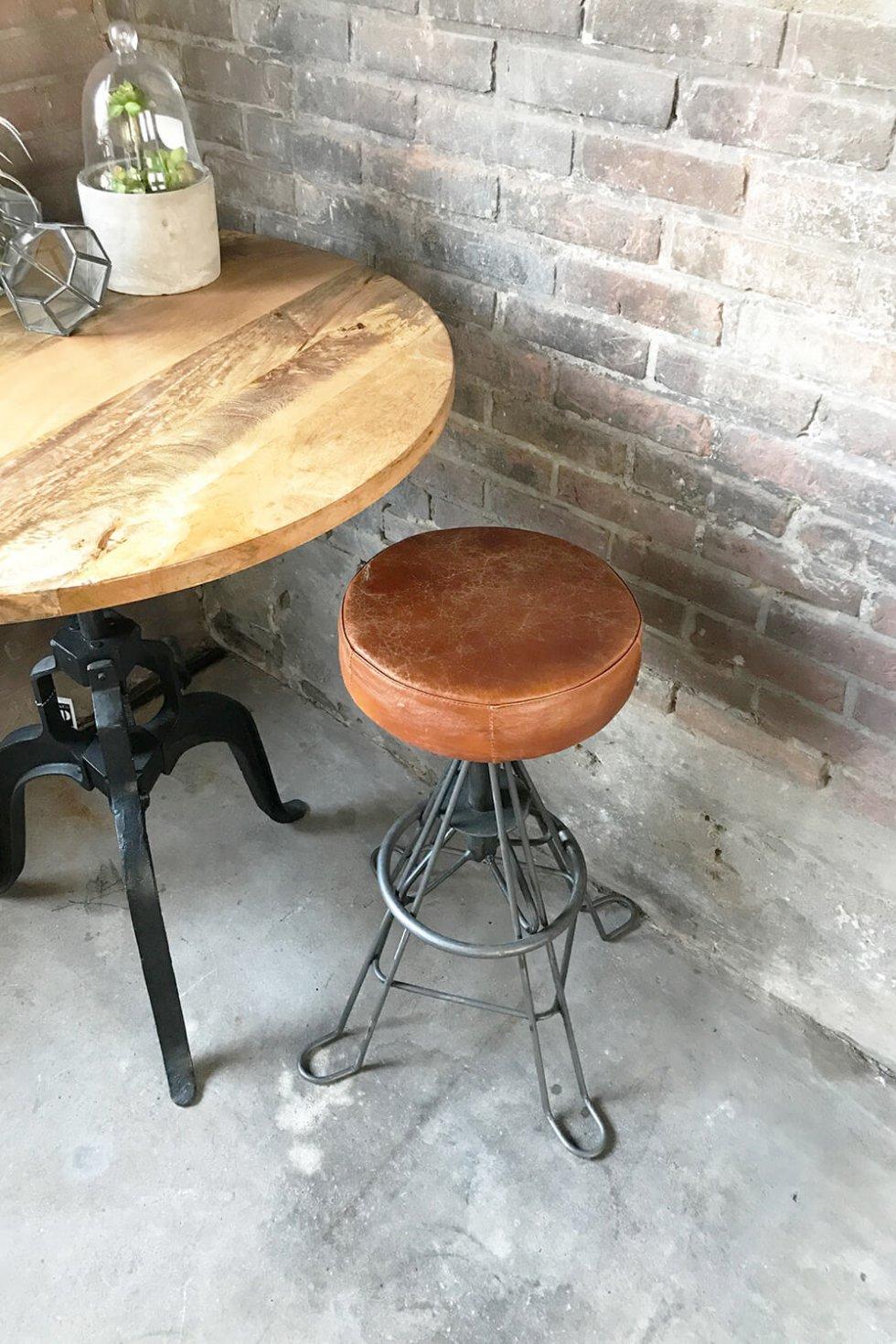 Steampunk industriële vintage barkruk