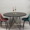 T029z industriële ronde eettafel van quip&Co met modern design