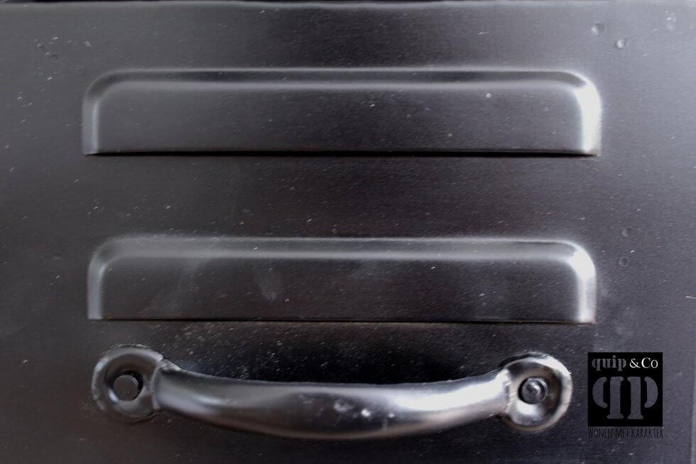 K038 zwart Industrieel ladenkastje bij quip&Co